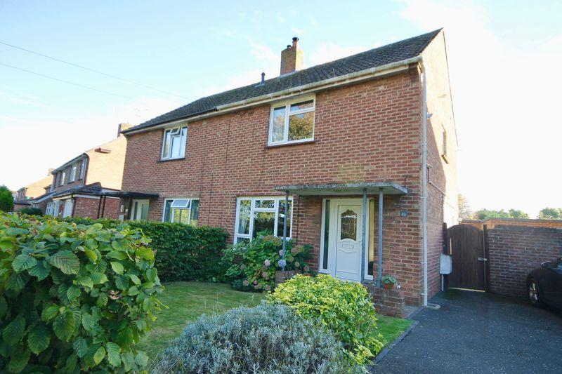 2 Bedrooms Semi Detached House for sale in 23 Lewis Road, Emsworth