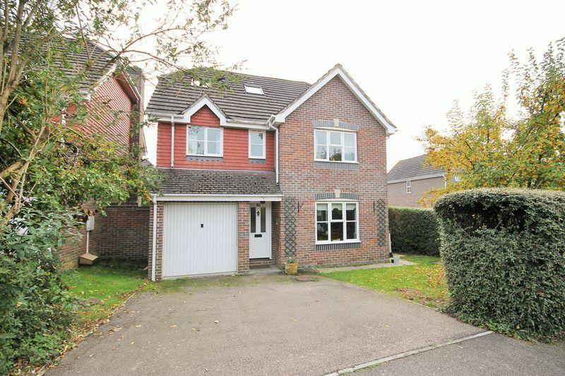 5 Bedrooms Detached House for sale in Coulstock Road, Burgess Hill, West Sussex