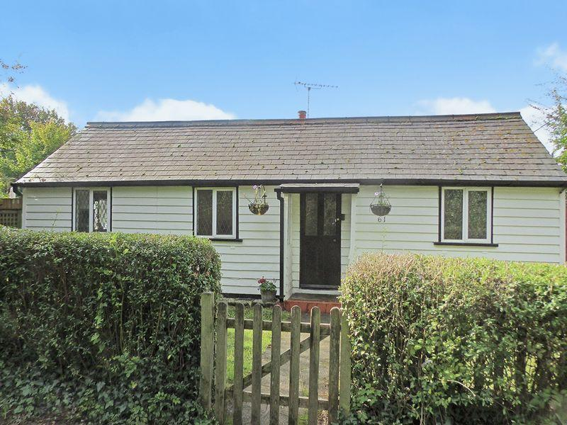 3 Bedrooms Cottage House for sale in Parsonage Lane, Sidcup