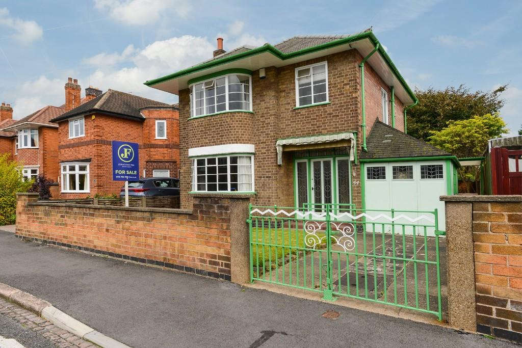 3 Bedrooms Detached House for sale in Trowell Grove, Long Eaton