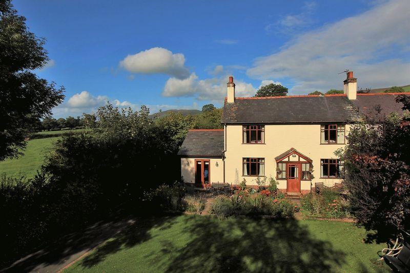 3 Bedrooms Semi Detached House for sale in Gellifor, Ruthin