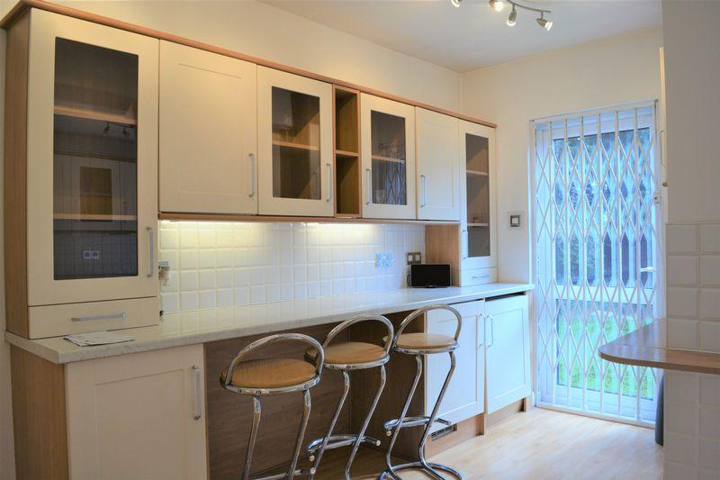 4 Bedrooms Link Detached House for sale in Longfield Avenue, Mill Hill