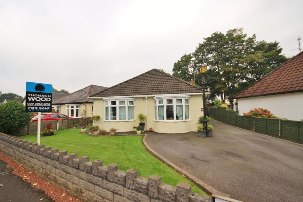 3 Bedrooms Detached Bungalow for sale in Caegwyn Road, Rhiwbina, Cardiff