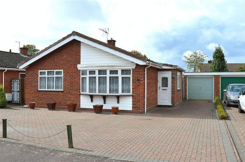 3 Bedrooms Detached Bungalow for sale in Vicarage Walk Watton