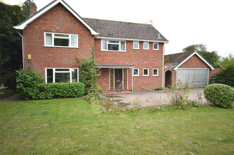 4 Bedrooms Detached House for sale in Watton Road Larling