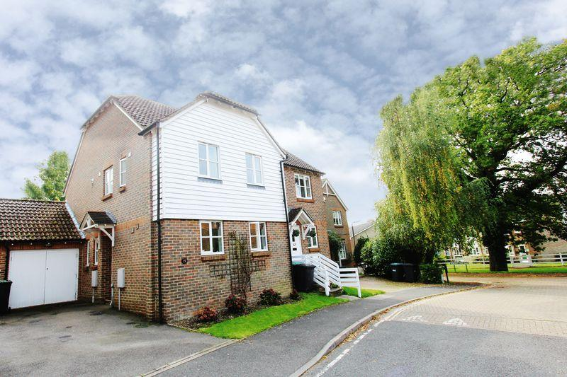 3 Bedrooms Semi Detached House for sale in Trinity Road, Hassocks