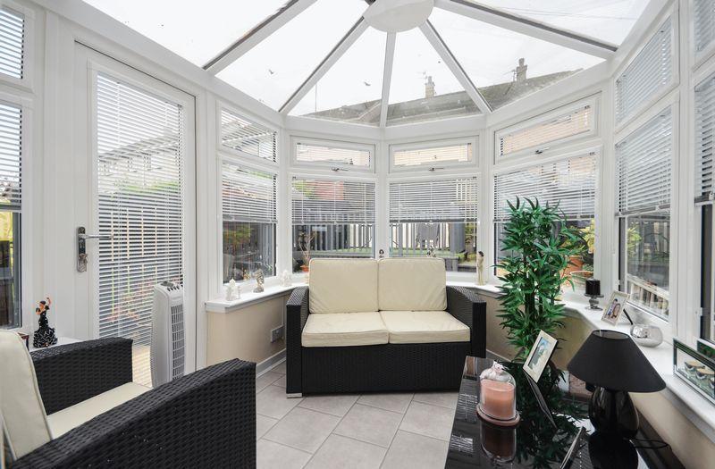 3 Bedrooms Terraced House for sale in Alexander Avenue, Twechar