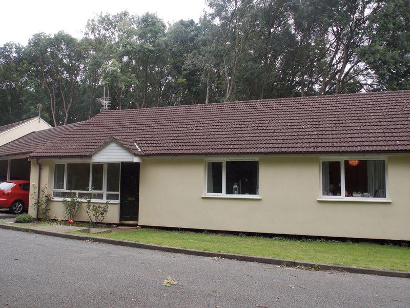 3 Bedrooms Semi Detached Bungalow for sale in Goldsmith Way, Stanton