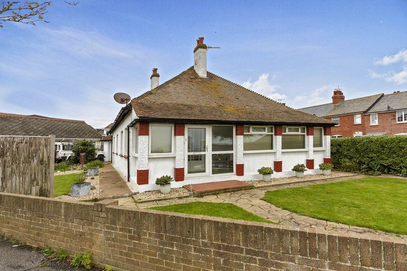 3 Bedrooms Bungalow for sale in Lancing Park, Lancing