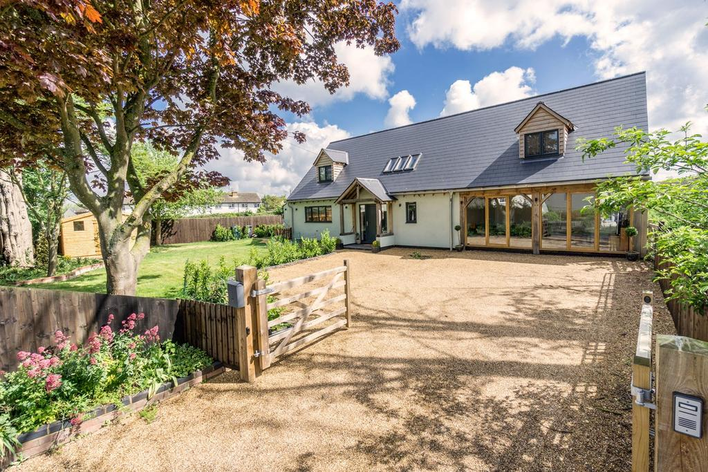 5 Bedrooms Detached House for sale in Middle Street, Litlington, Royston, SG8