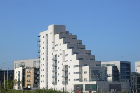 2 bedroom apartment to rent - Watermark, Cardiff Bay
