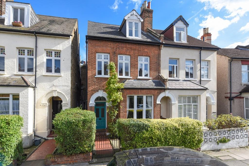 4 Bedrooms Terraced House for sale in Devonshire Road SE23