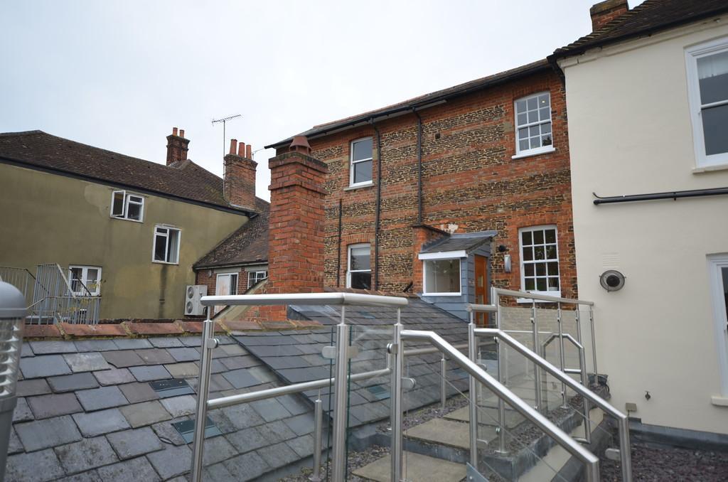 2 Bedrooms Flat for sale in West Street/Downing street, Farnham