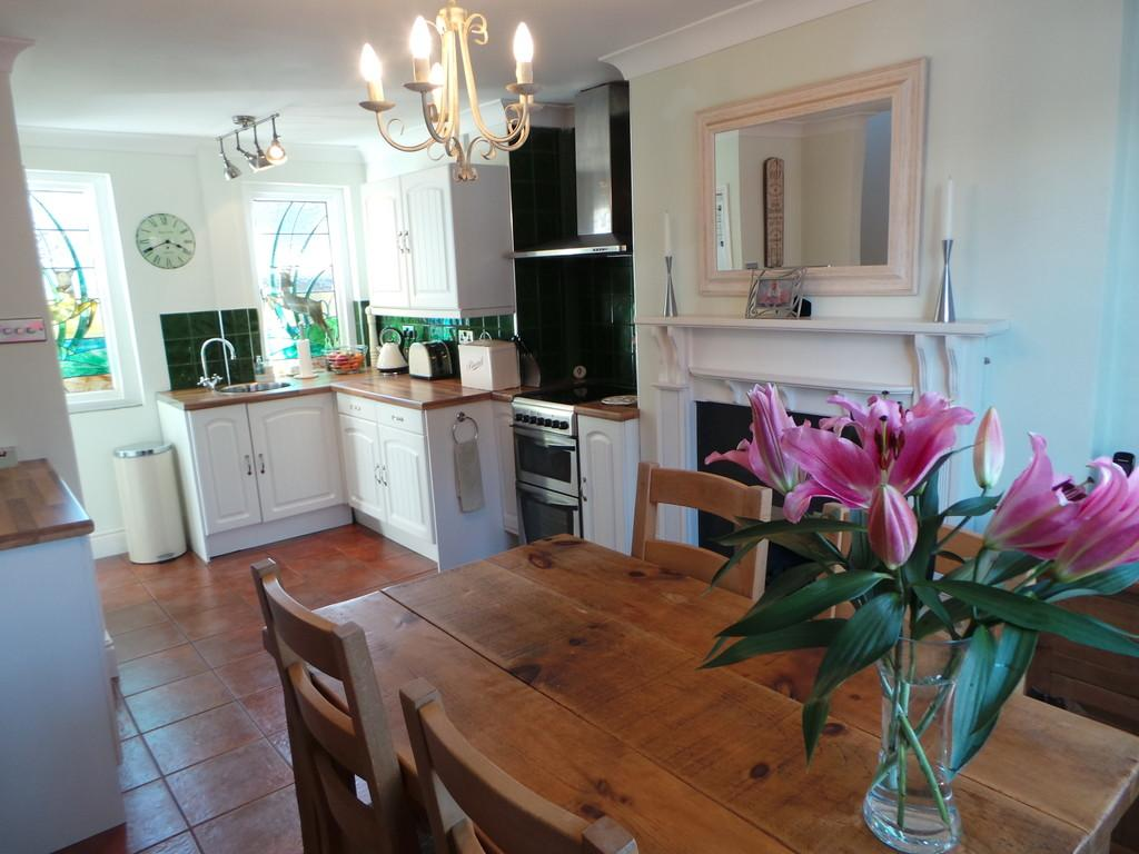3 Bedrooms Semi Detached House for sale in Willow Dene, Kings Road, Ulvesrton, Cumbria, LA12 0BT