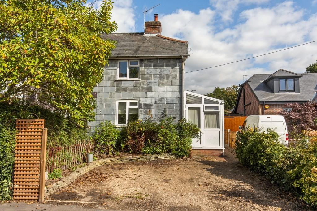2 Bedrooms Cottage House for sale in Main Road, Colden Common, Winchester, SO21
