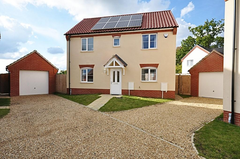 3 Bedrooms Detached House for sale in Boundary Way, Roydon
