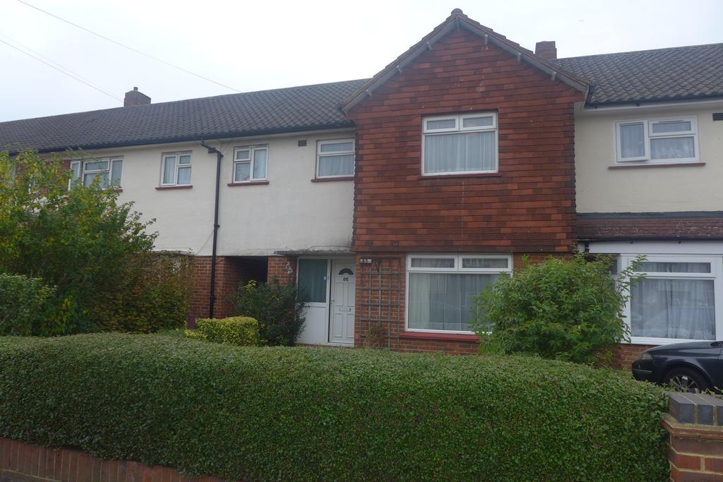 3 Bedrooms Terraced House for sale in Canterbury Road, Feltham