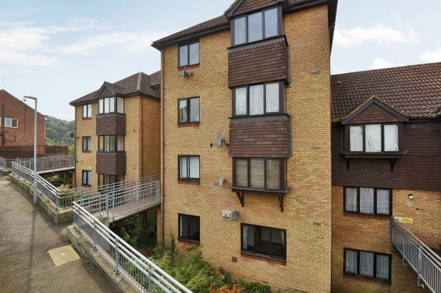2 Bedrooms Apartment Flat for sale in Hattersfield Close, Belvedere, DA17