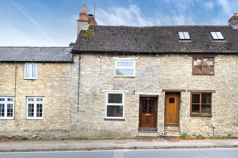 3 Bedrooms Terraced House for sale in Newland, Witney, Oxfordshire