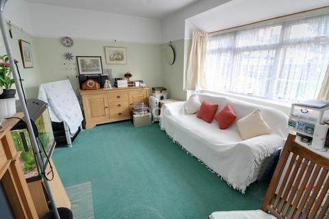 2 bedroom bungalow for sale - Ashton Road, Enfield, EN3
