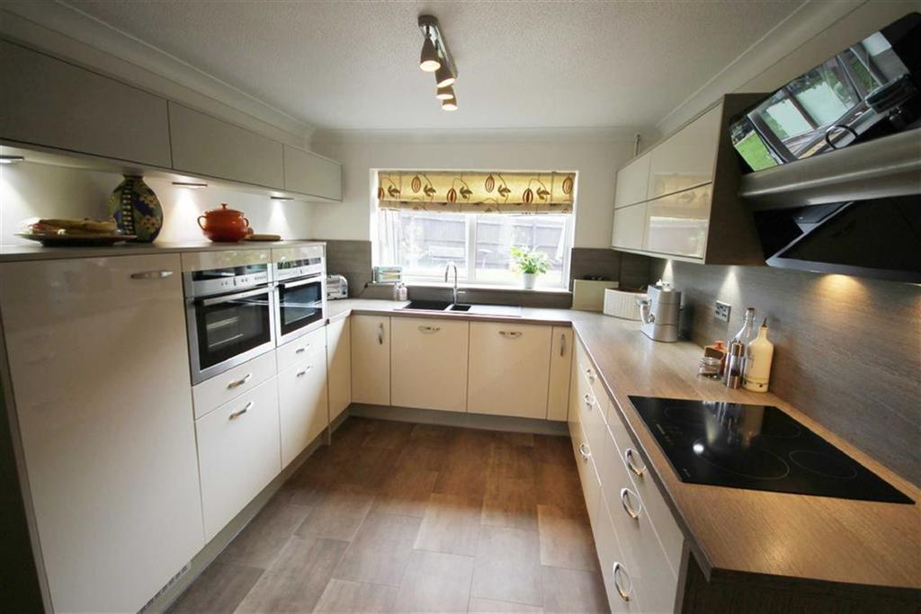 4 Bedrooms Detached House for sale in Sunningdale, Caerphilly