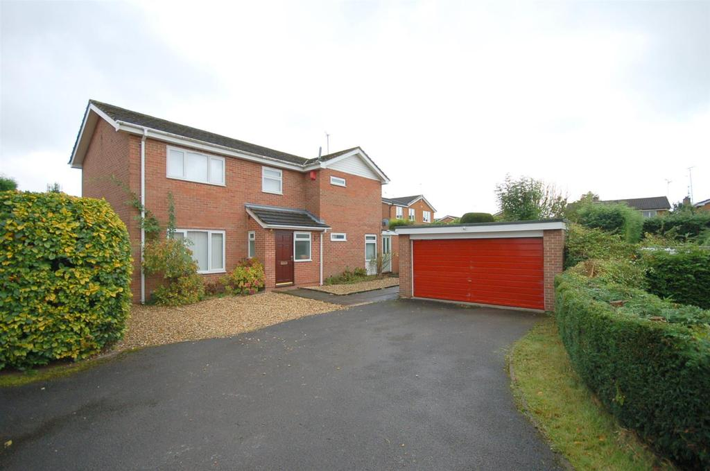 4 Bedrooms Detached House for sale in Dunnocksfold Road, Alsager