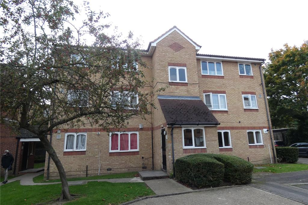Studio Flat for sale in Barbot Close, Edmonton, London, N9