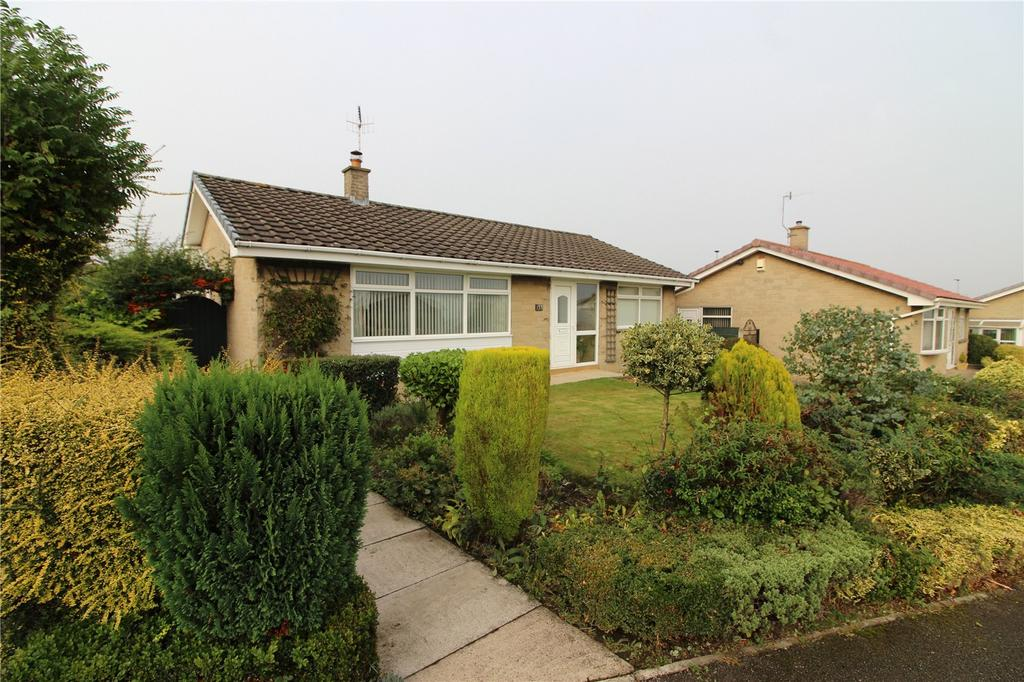 3 Bedrooms Detached Bungalow for sale in Clough Fields Road, Hoyland, Barnsley, S74