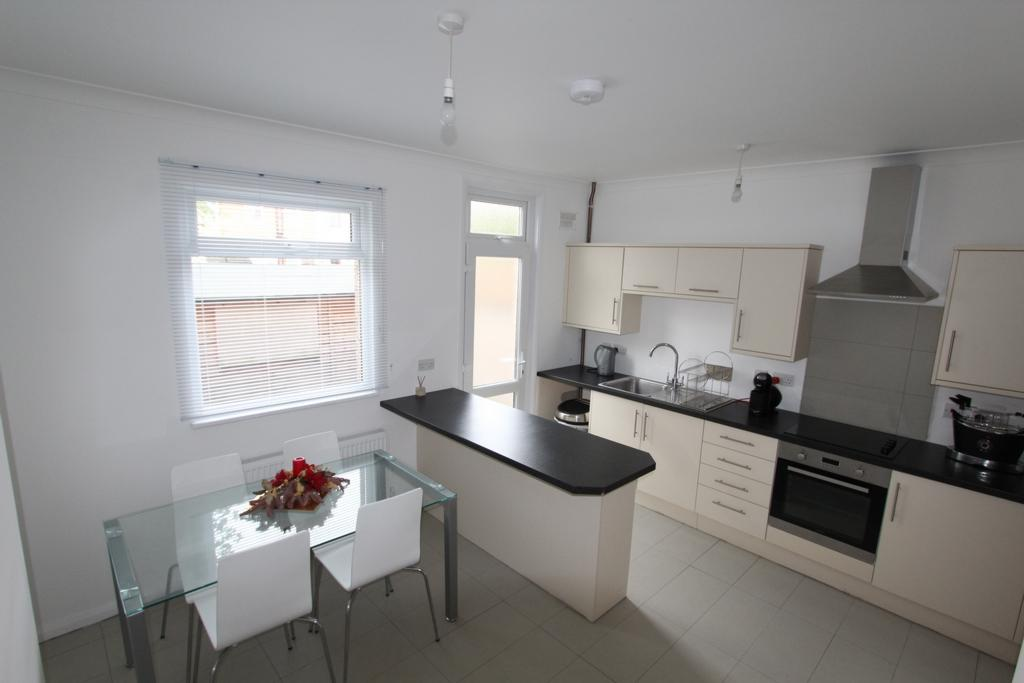 2 Bedrooms House for sale in Northway Road, Croydon, CR0