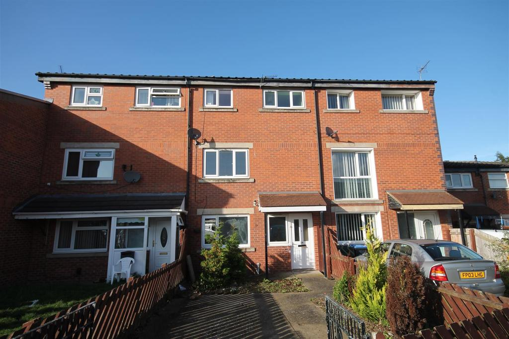 4 Bedrooms Terraced House for sale in Faygate Court, Hemlington, Middlesbrough