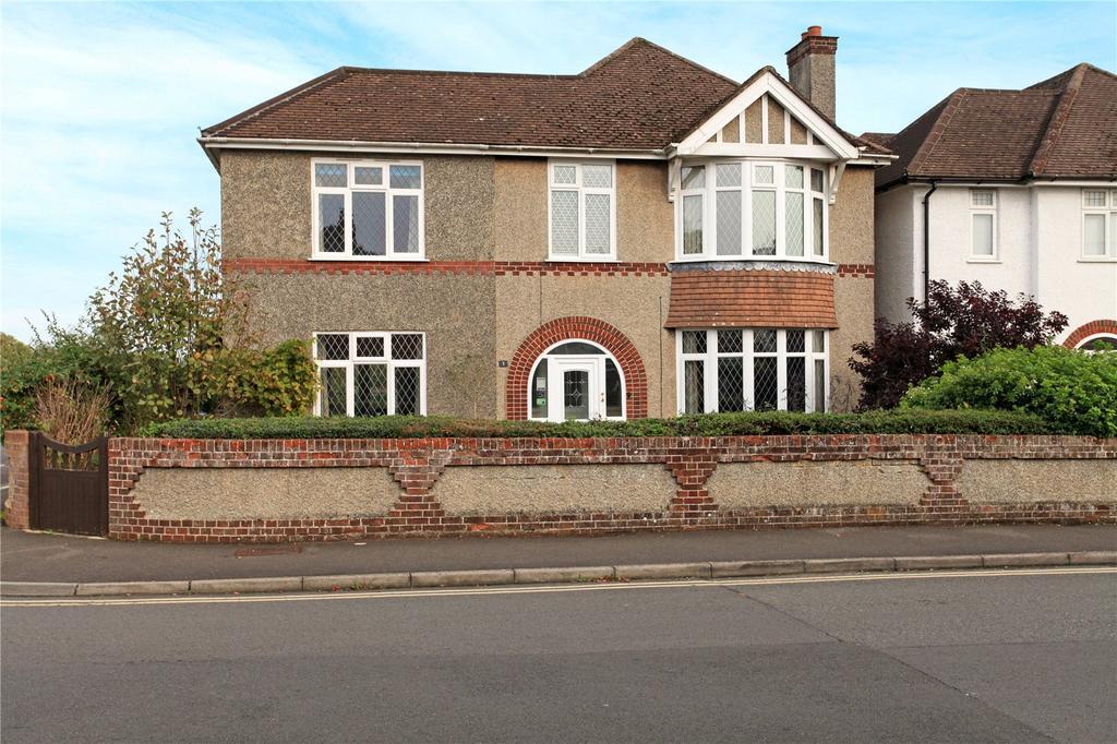 4 Bedrooms Detached House for sale in Somerset Road, Salisbury