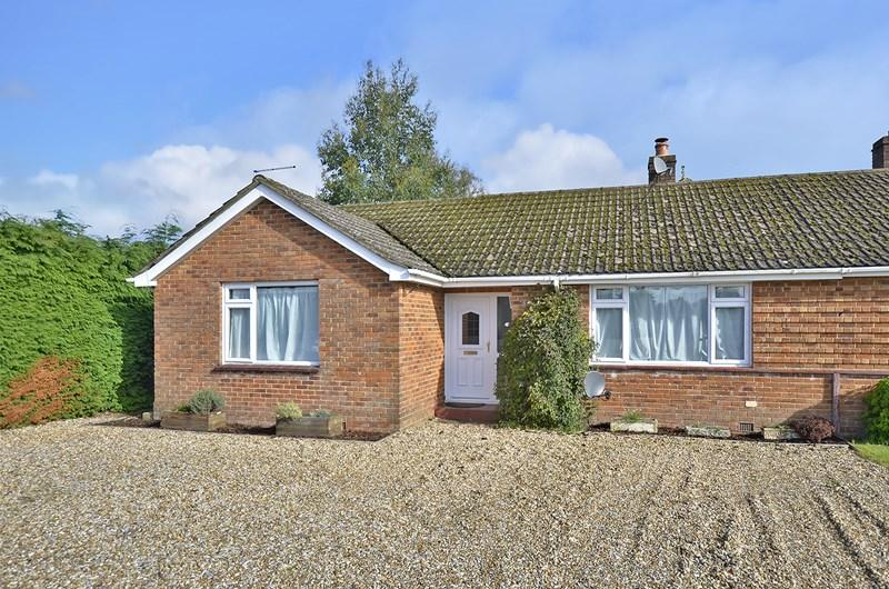 3 Bedrooms Semi Detached Bungalow for sale in Shaftesbury Road, West Moors, Ferndown