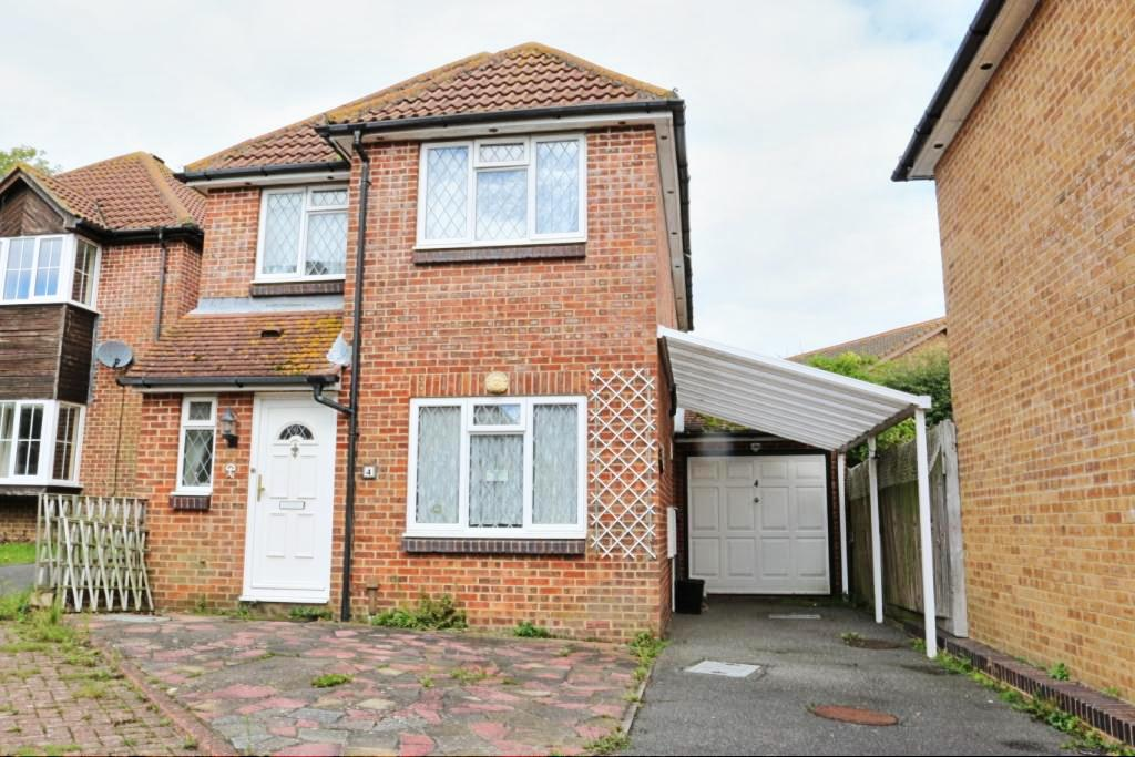 3 Bedrooms Detached House for sale in Greenacres Way, Hailsham BN27