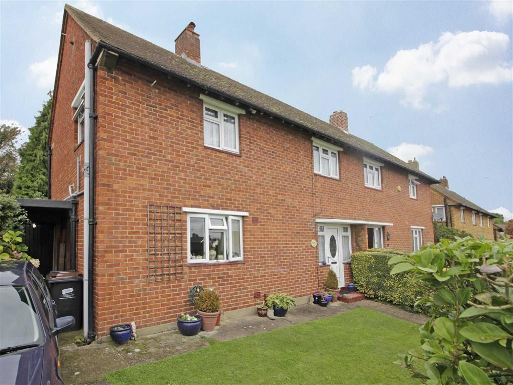 3 Bedrooms Semi Detached House for sale in Malling Way, Hayes, Kent