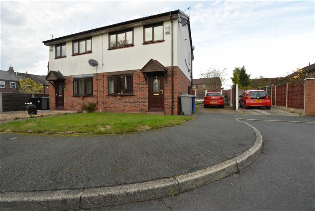 3 Bedrooms Semi Detached House for sale in Rendel Close, STRETFORD