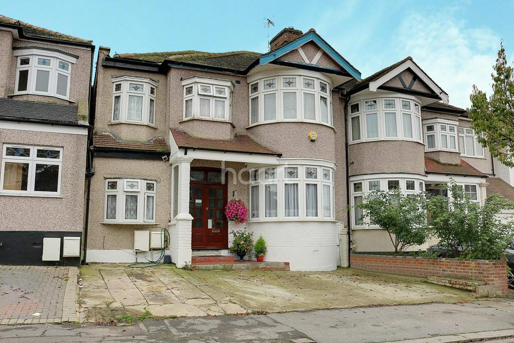 6 Bedrooms End Of Terrace House for sale in Fowey Avenue, Redbridge