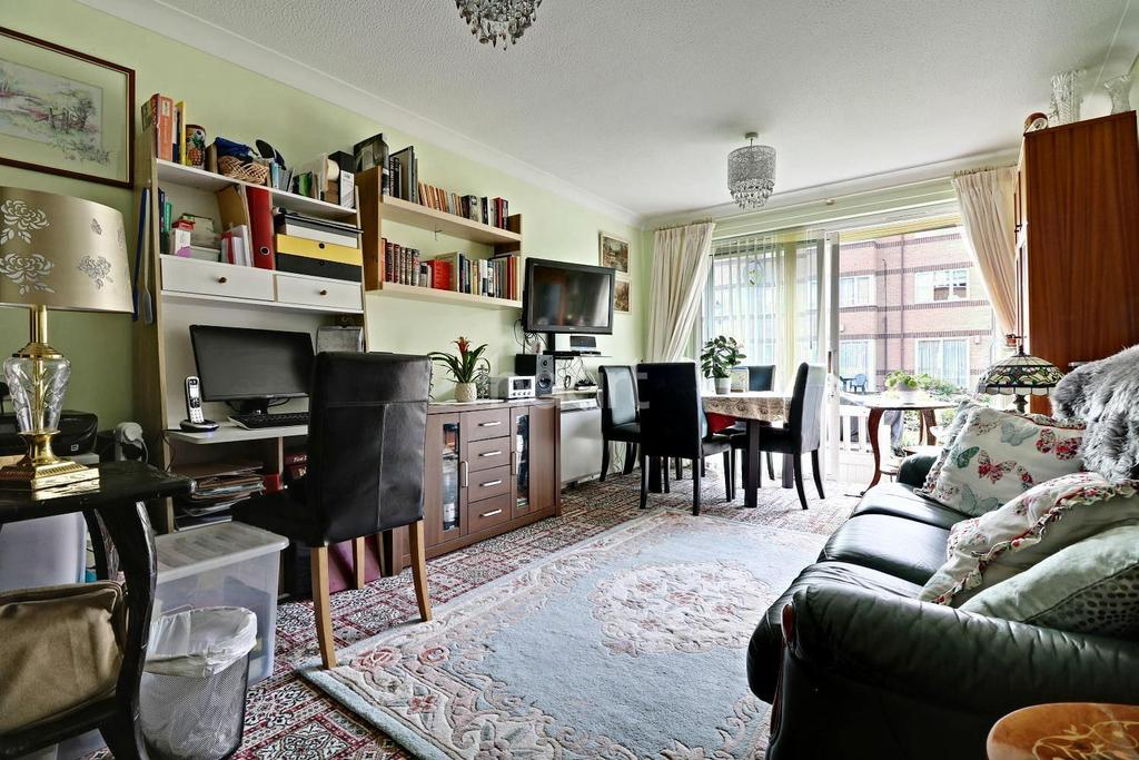 1 Bedroom Flat for sale in Limewood Court, Beehive Lane