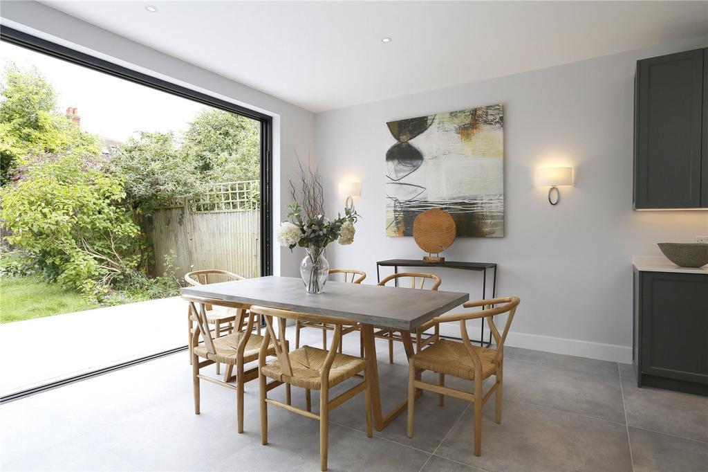 5 Bedrooms Semi Detached House for sale in Oakwood Road, Wimbledon, London, SW20
