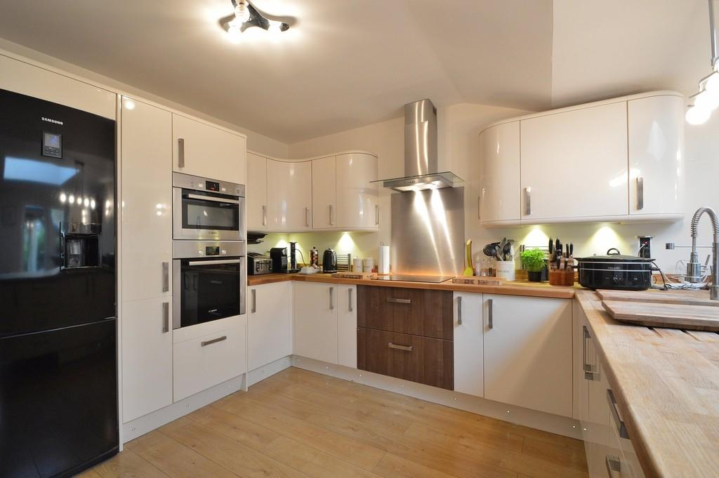 4 Bedrooms Detached House for sale in Scantabout, Chandler's Ford