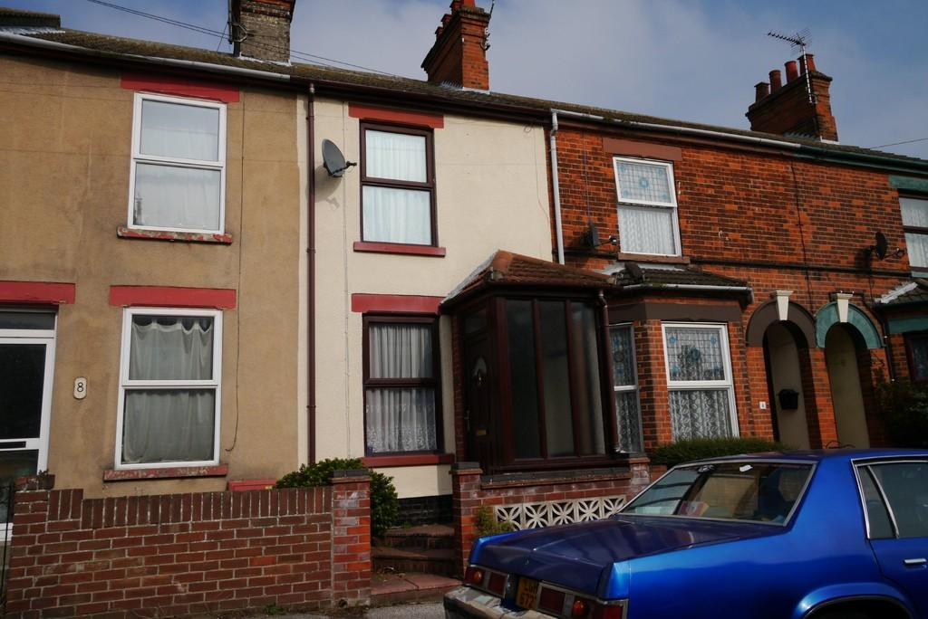 3 Bedrooms Terraced House for sale in Norfolk Street, Lowestoft