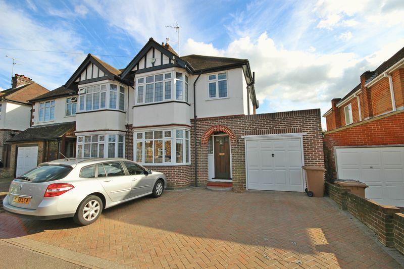 3 Bedrooms Semi Detached House for sale in Kingsdown Avenue, Luton
