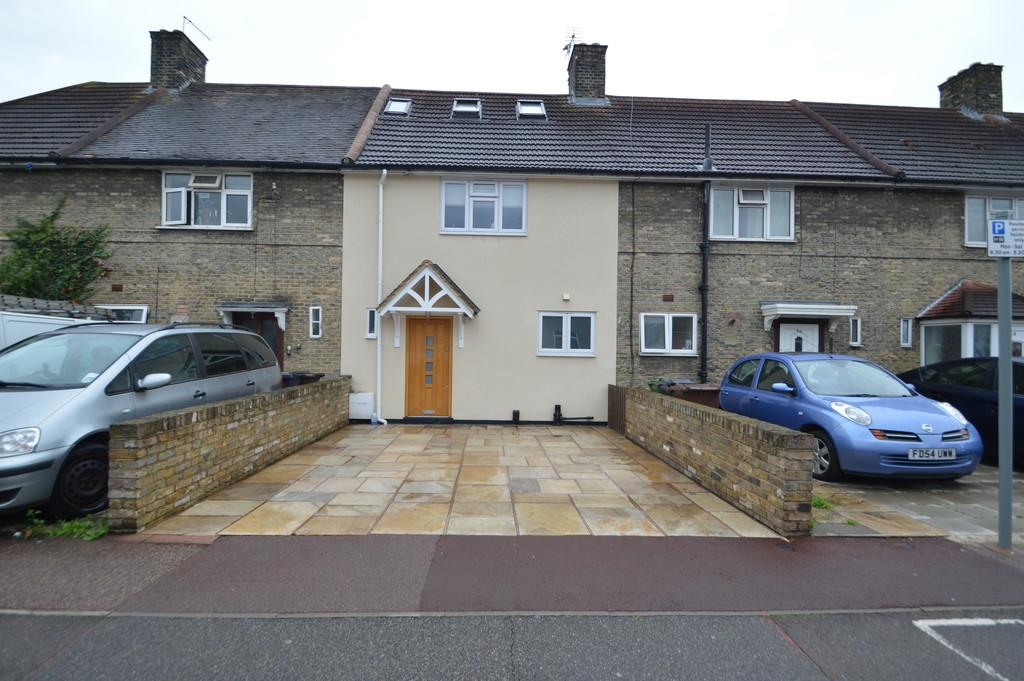 4 Bedrooms Terraced House for sale in Manning Road, Dagenham