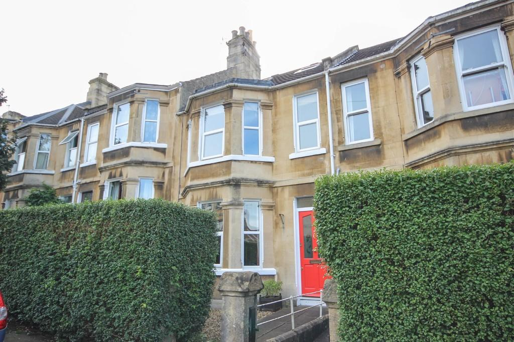 4 Bedrooms Terraced House for sale in Winchester Road, Oldfield Park, Bath