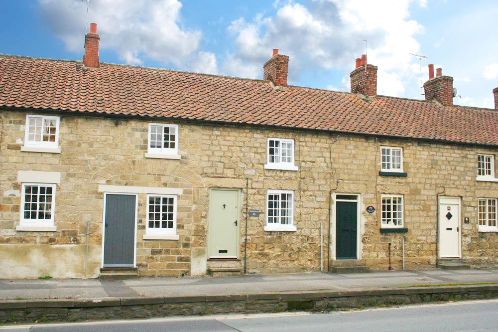 1 Bedroom Cottage House for sale in Kings Haven, Westgate, Pickering YO18 8AU
