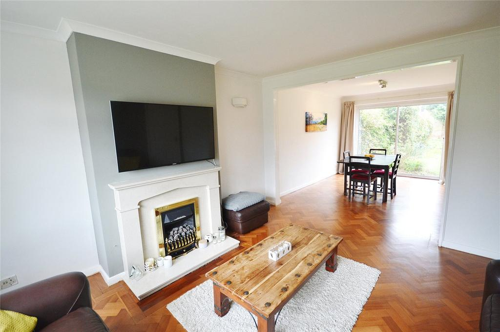 3 Bedrooms Semi Detached House for sale in Ellwood Gardens, Watford, Hertfordshire, WD25