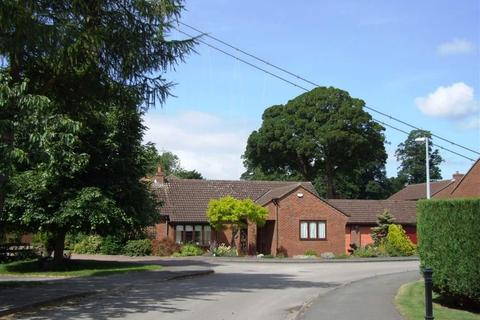 3 bedroom detached bungalow for sale - The Coachings, Cliff Road, Hessle, East Yorkshire, HU13