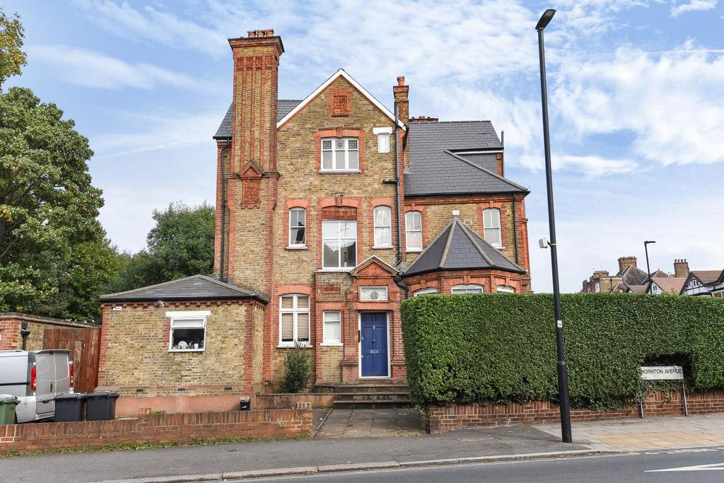2 Bedrooms Flat for sale in Thornton Avenue, Stretham Hill