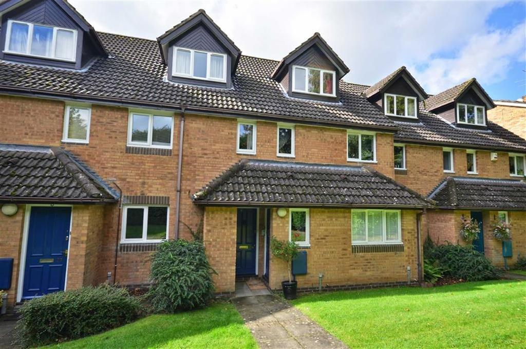 2 Bedrooms Maisonette Flat for sale in Melrose Place, Watford, Hertfordshire