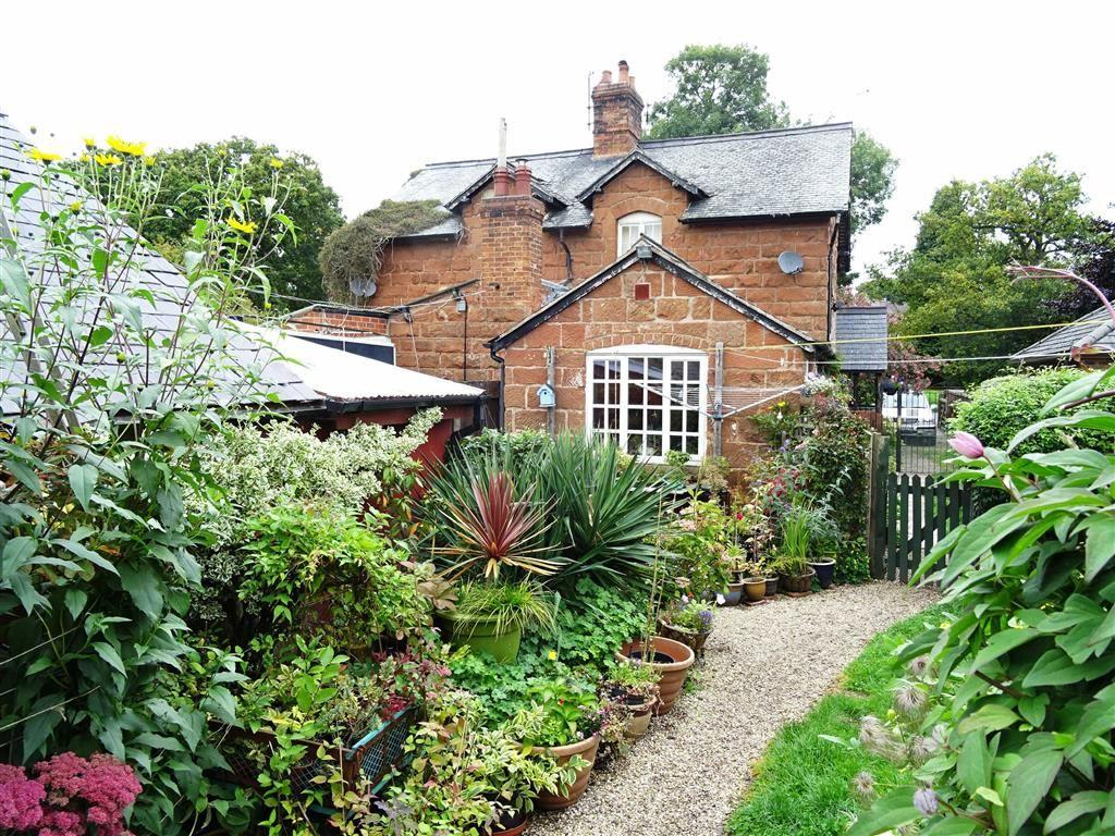 2 Bedrooms Cottage House for sale in 2, Sandstone Cottages, Knockin Heath, Oswestry, Shropshire, SY10