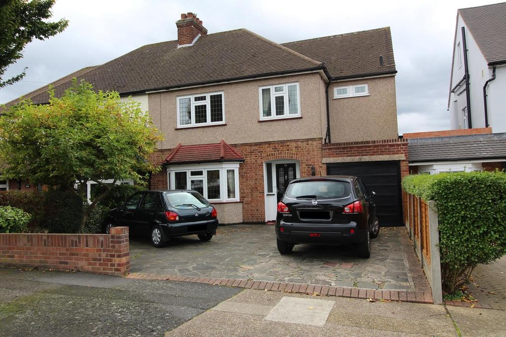 4 Bedrooms Semi Detached House for sale in Hornbeam Avenue, Upminster, Essex, RM14
